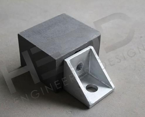 side twist lock and corner casting